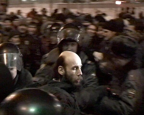 ОМОН пресек несанкционированную акцию на Триумфальной площади