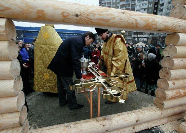 Строительство деревянного православного храма