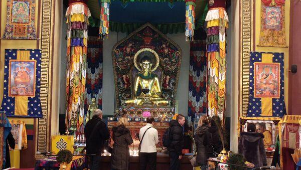 Буддисты отмечают праздник Дугжууба