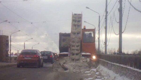 Устранения последствий снегопада на Новоспасском мосту