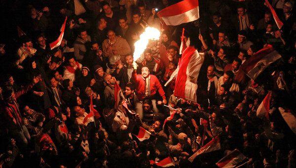 Демонстранты на площади Тахрир в Каире. Архив