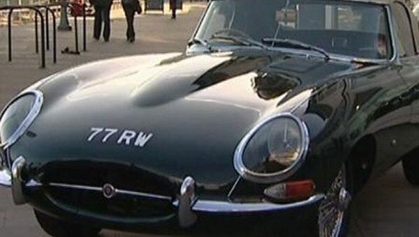 Первый Jaguar E-type, которым восхищался Энцо Феррари, до сих пор в моде