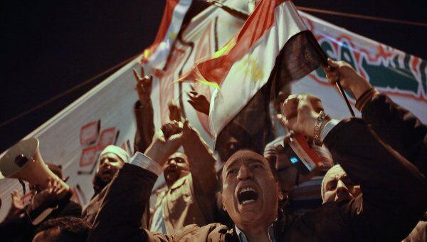 Празднование отставки президента Хосни Мубарака в Каире. Архив