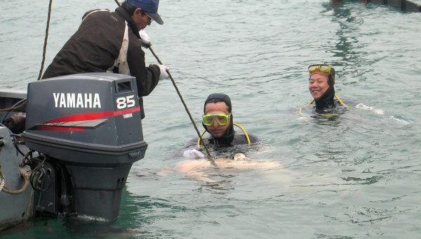 Спасательные работы на месте затонувшего судна во Вьетнаме