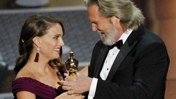 Золотую статуэтку Оскар за лучшую женскую роль 2010 года получила Натали Портман