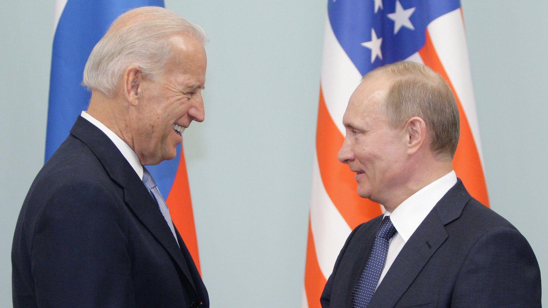Премьер-министр РФ Владимир Путин встречается с Джозефом Байденом в Москве - РИА Новости, 1920, 13.06.2021