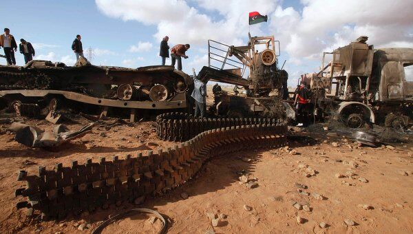 Разбитая техника, принадлежащая войскам Муамара Каддафи