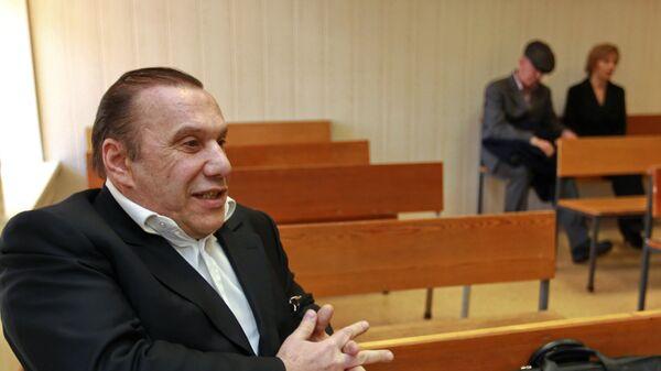Слушания по делу бизнесмена Виктора Батурина, обвиняемого в мошенничестве с недвижимостью