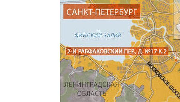 Часть стены жилого дома обрушилась в Петербурге, никто не пострадал