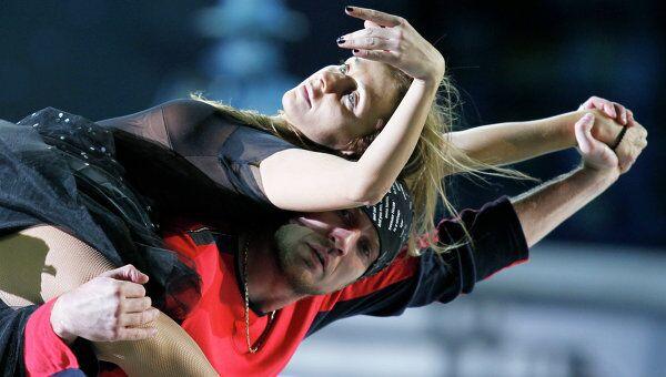 Татьяна Навка и Роман Костомаров в спектакле Огни большого города