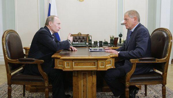 Премьер-министр РФ Владимир Путин проводит рабочую встречу с Андреем Крайним в Ново-Огарево
