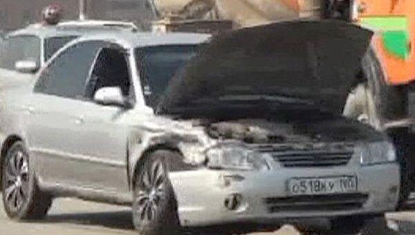 На Автозаводском мосту столкнулись три автомобиля