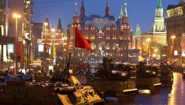 Проход военной техники на репетицию парада Победы на Красной Площади