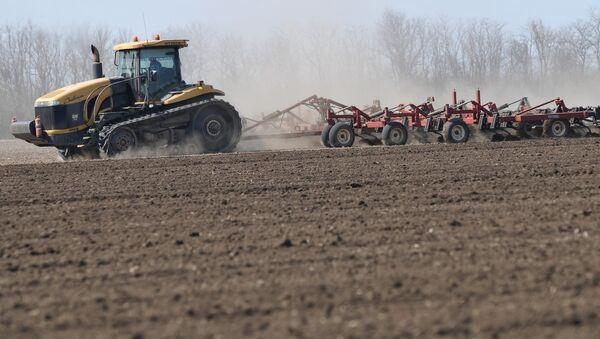 Весенние полевые работы на полях