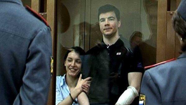 Признанные виновными в убийстве Маркелова и Бабуровой улыбались в зале суда