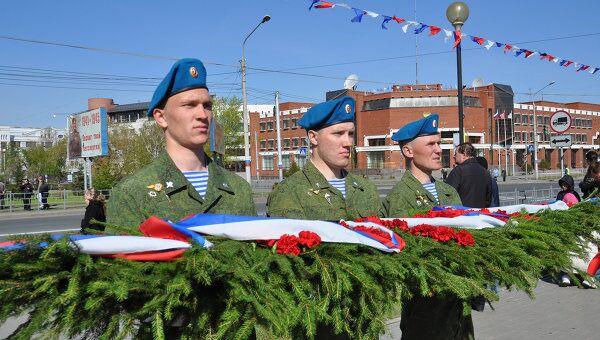 Россия отмечает День Победы парадами, чествуя своих ветеранов