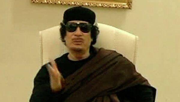 Каддафи опроверг слухи о своей гибели, появившись в телеэфире