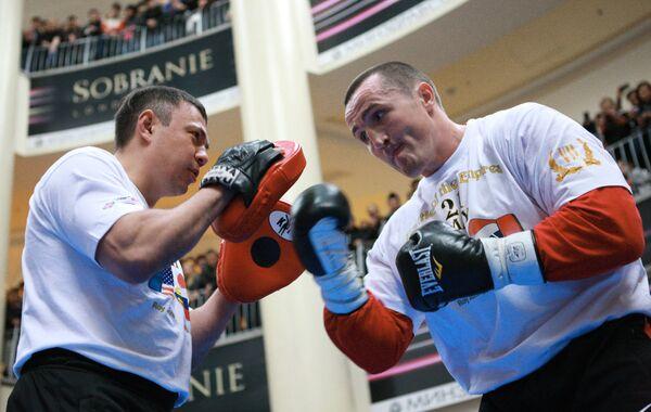 Тренировка Дениса Лебедева перед боем с Роем Джонсом в Москве