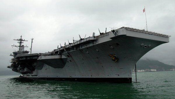 Авианосец ВМС США Carl Vinson в Гокнонге