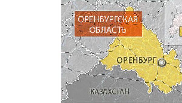 Два человека госпитализированы после столкновения грузовика и поезда в Оренбургской области