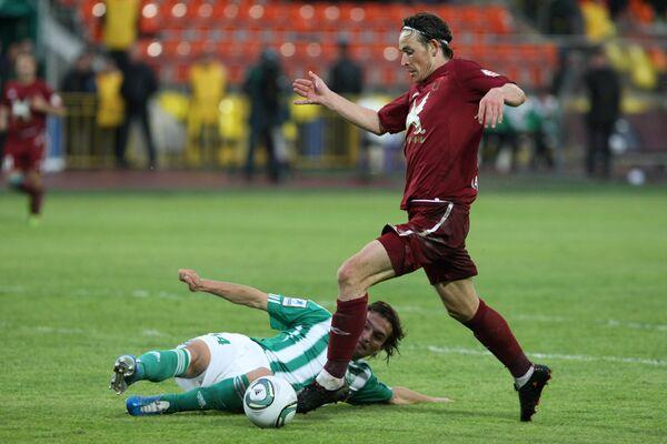 Игровой момент матча Рубин - Томь