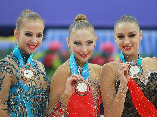 Дарья Дмитриева, Дарья Кондакова и Евгения Канаева (слева направо)