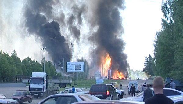 Человек погиб в результате взрыва автозаправок в Костроме. Видео с места ЧП