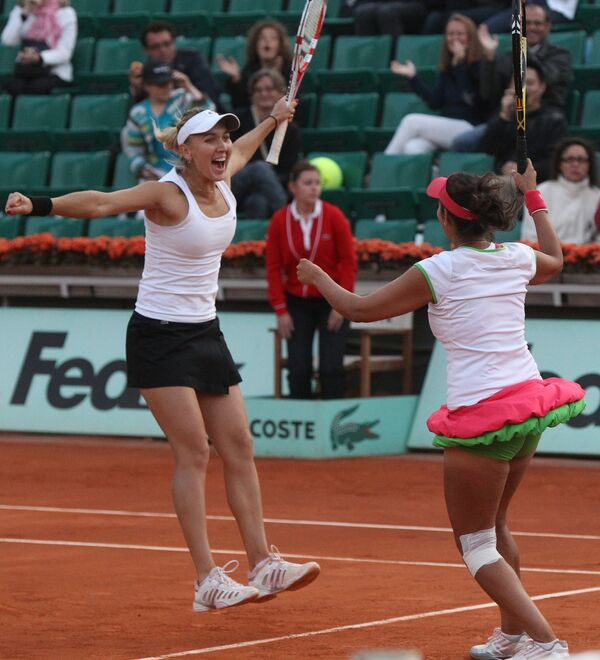 Елена Веснина и Сания Мирза (слева направо)