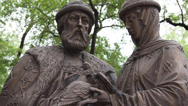 Памятник святым Пётру и Февронии в Благовещенске