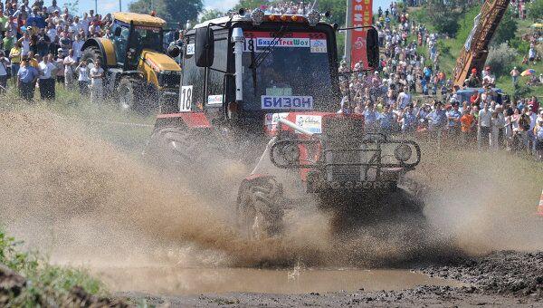 Гонки на тракторах Бизон-Трек-Шоу 2011 прошли в Ростовской области