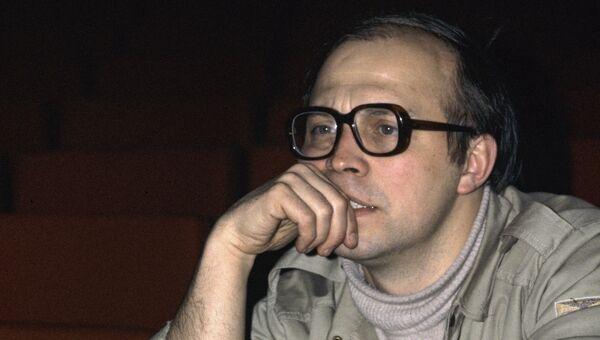 Валерий Романович Белякович, главный режиссер Московского театра на Юго-Западе. Архивное фото
