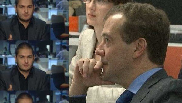 Медведев посмотрел рэп про Ходорковского, Михалкова и ГЛОНАСС