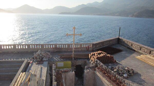Фундамент храма Александра Невского на острове Святой Стефан в Черногории