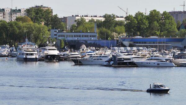 Причал для яхт на канале имени Москвы. Архивное фото