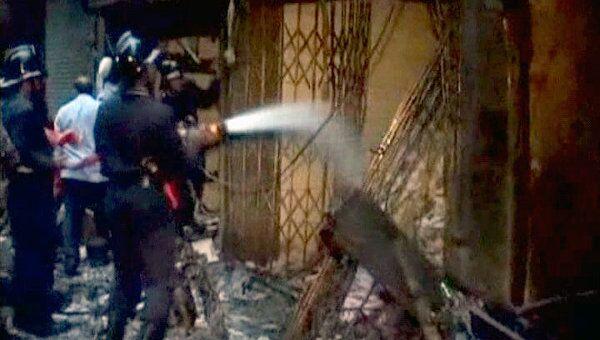 Более 20 человек погибли при тройном теракте в Мумбаи. Видео с места ЧП