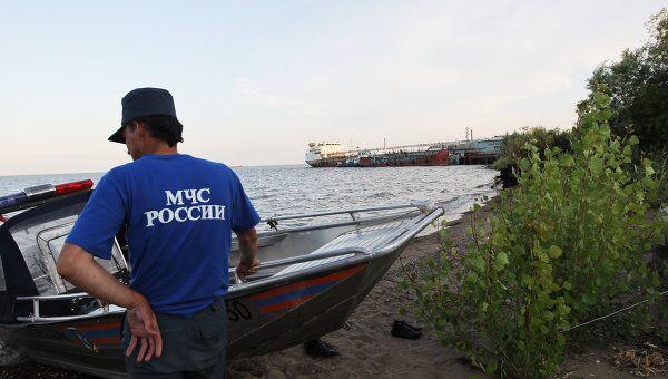 Сотрудник МЧС РФ в лагере МЧС РФ