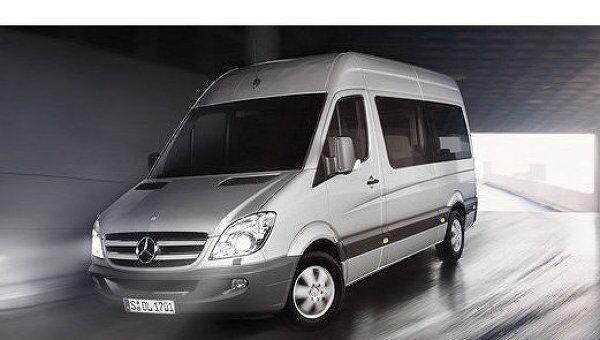 Микроавтобус Mercedes-Benz Sprinter. Архив