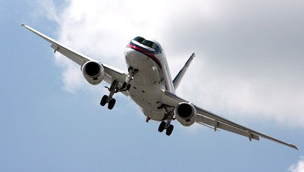 Самолет Sukhoi Superjet 100. Архив