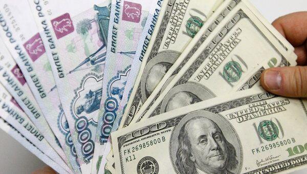 Рынок поверил в плавное ослабление рубля - эксперты