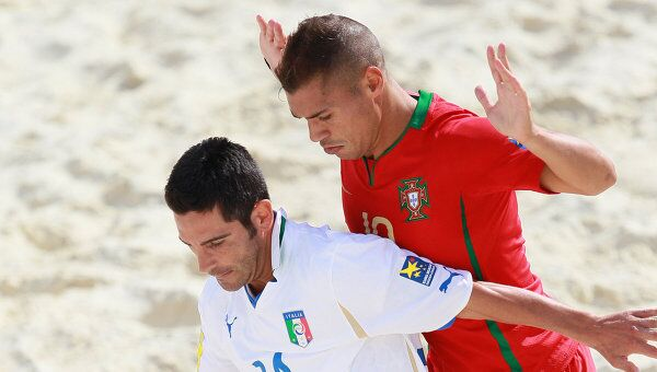 Игровой момент матча Италия - Португалия