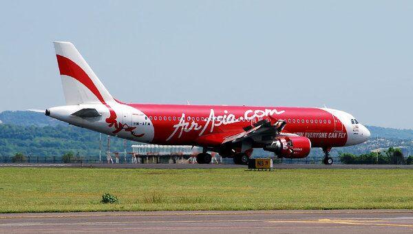 Самолет авиакомпании AirAsia. Архивное фото