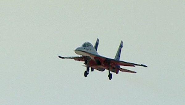 Су-27 поднялись в небо над Жуковским накануне открытия МАКС-2011