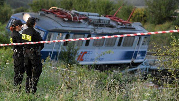 Поезд Интерсити Варшава-Катовице сошел с рельсов в Польше