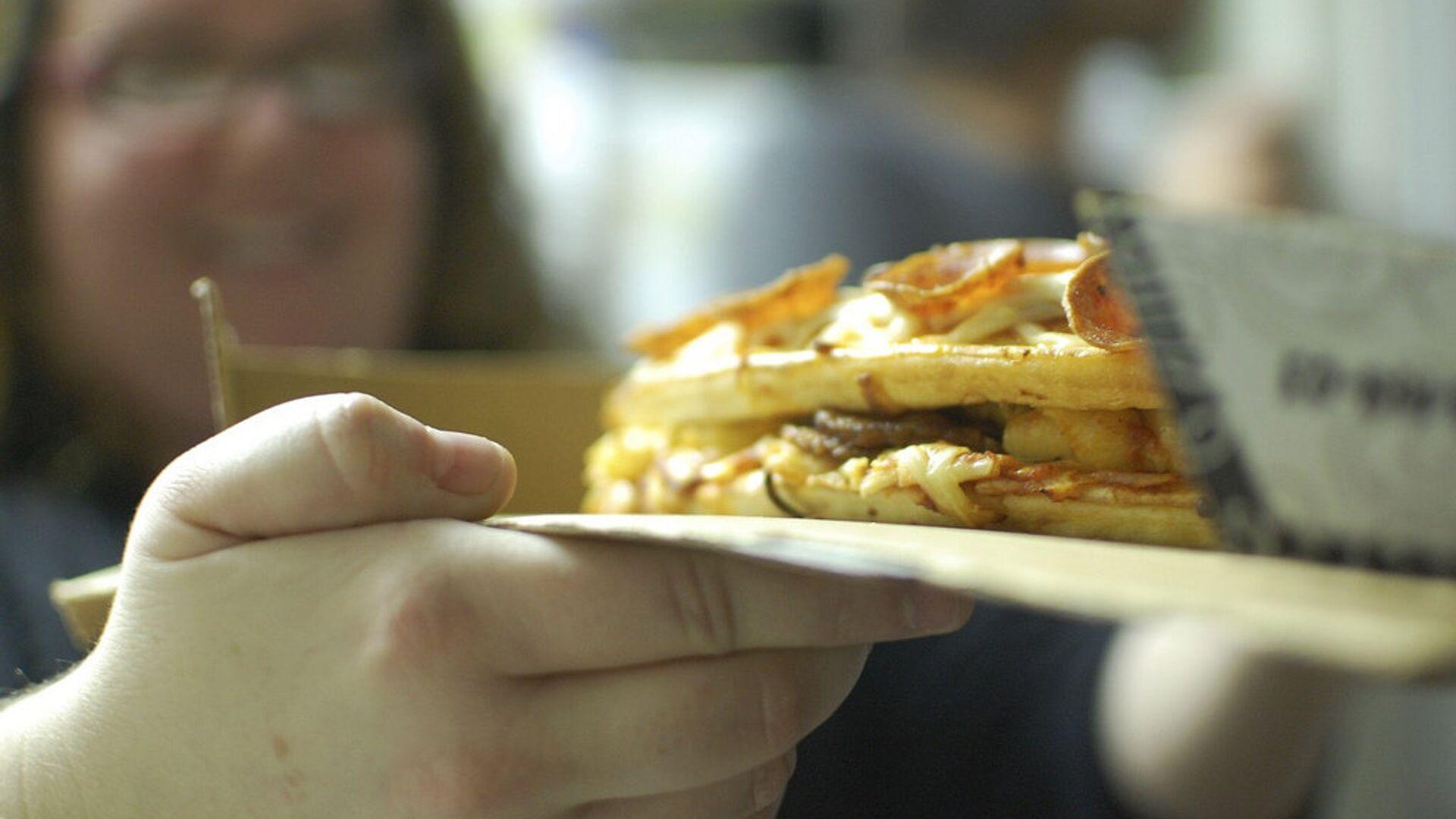 Люди, страдающие перееданием, часто страдают ожирением - РИА Новости, 1920, 08.10.2020