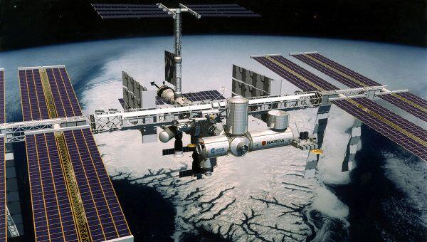 Экипажи экспедиций на МКС живут дружно и любуются Землей из космоса