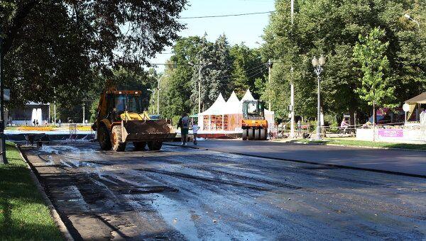 В Москве меняют асфальт. Архив