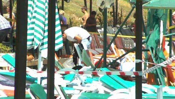 Работа полиции на месте взрыва, Кемер, 28.08.11.
