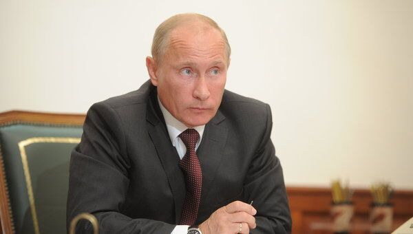 Премьер-министр РФ В.Путин провел видеоконференцию по вопросам дорожного строительства