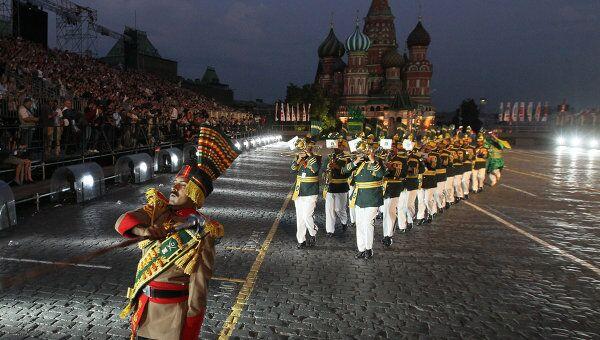 Церемония открытия фестиваля Спасская башня 2011 в Москве. Архив