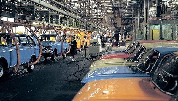 Заводской конвейер Ижевского автомобильного завод. Архивное фото.
